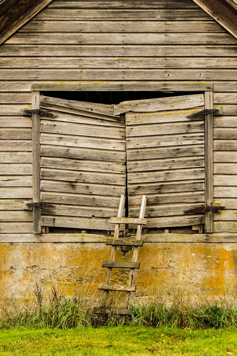 022817barn-and-ladder
